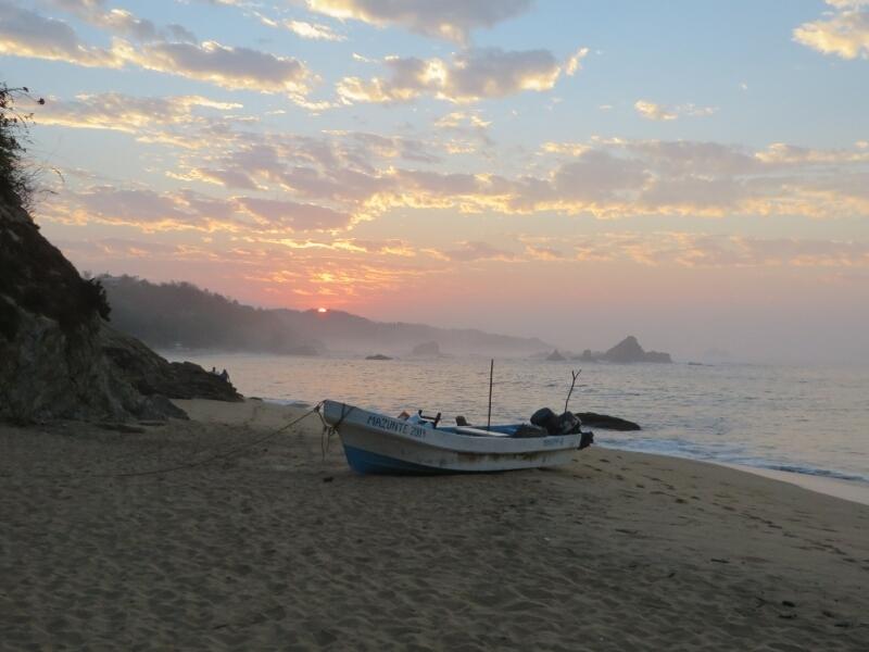 Sonnenaufgang am Strand von Mazunte